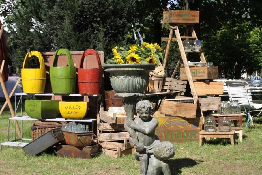 093_0328_17 Sept 2010_Gartenfest_Aussteller