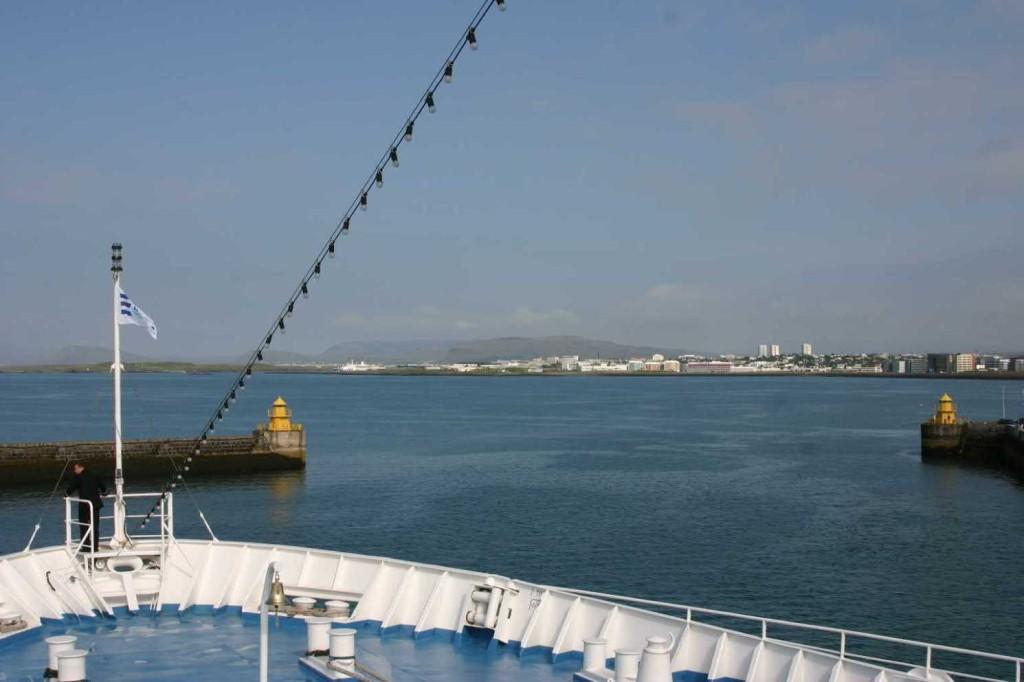 Bild 0562 - Island / Reykjavik, MS Delphin verläßt den Hafen
