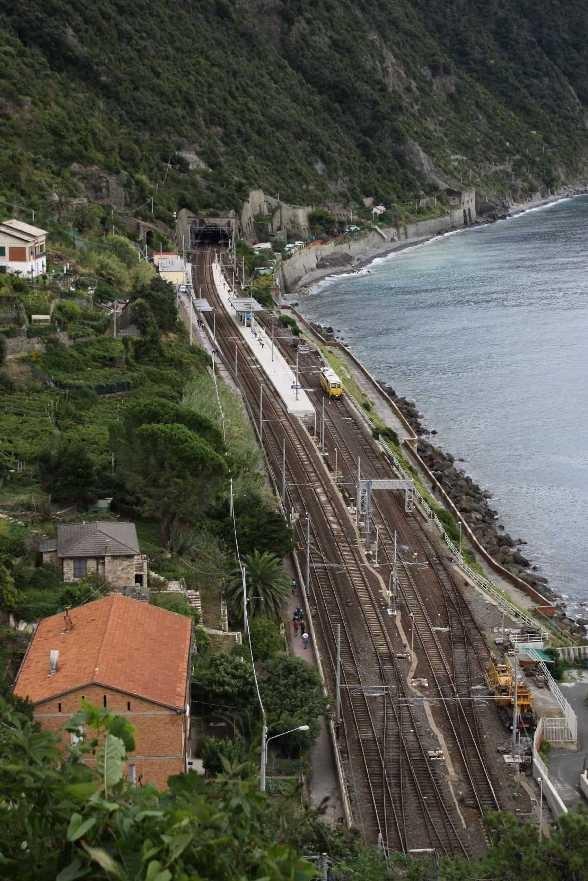 0306_07 Okt 2013_Cinque-Terre_Corniglia_Bahnhof