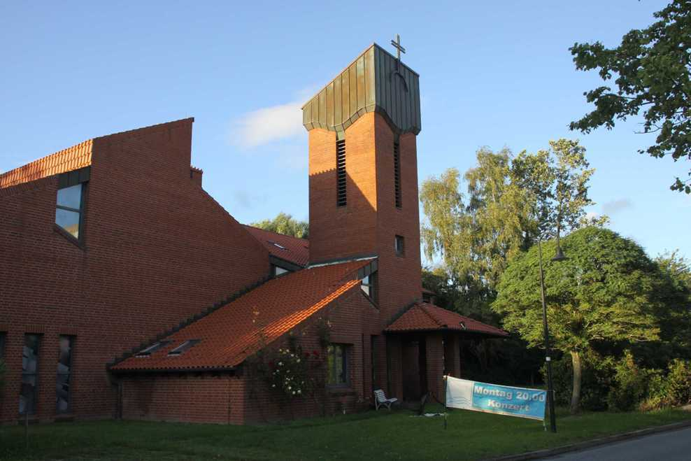 0235_19 Aug 2011_Damp_Kirche