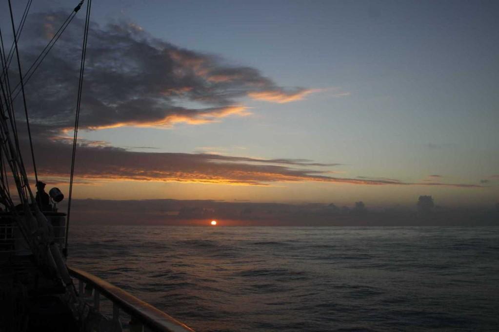 0838_13 Okt 2010_Star Flyer_Sunrise