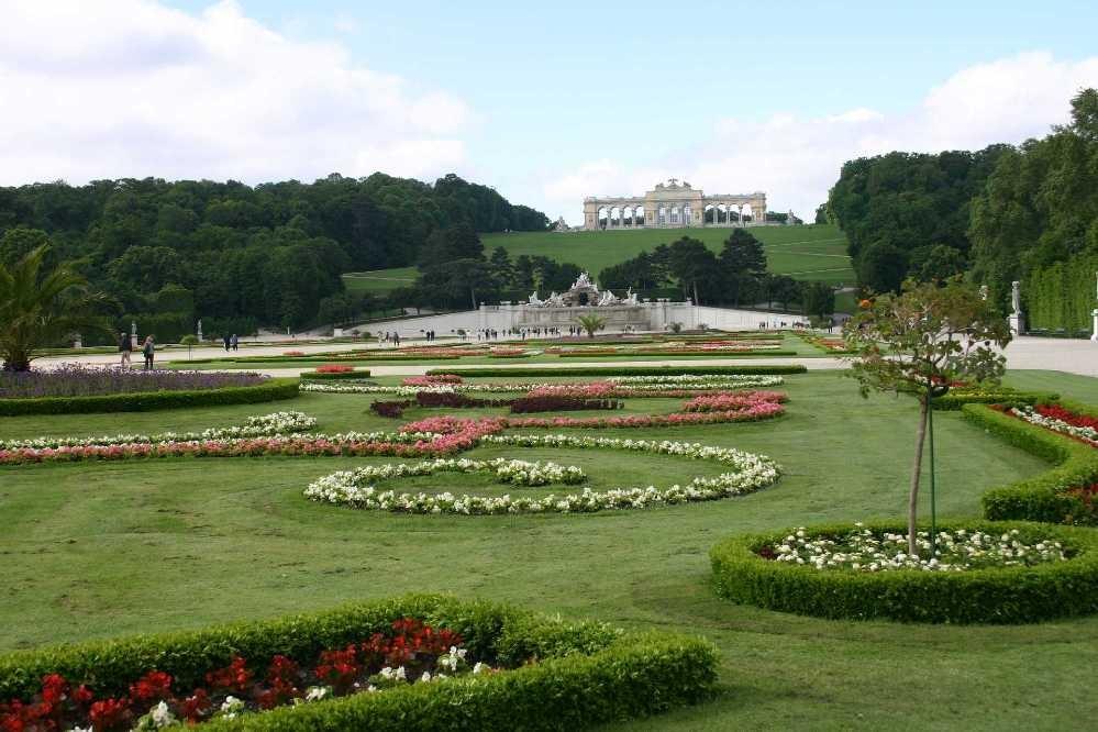 0296_22 Mai 08_Wien_Schloss Schönbrunn_Neptunbrunnen_Gloriette
