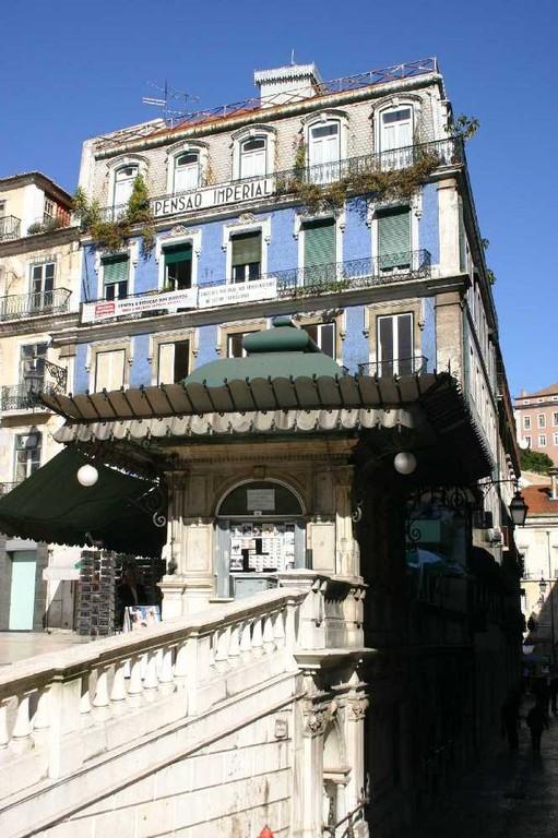 0258_31 Okt 07_Lissabon_Kiosk