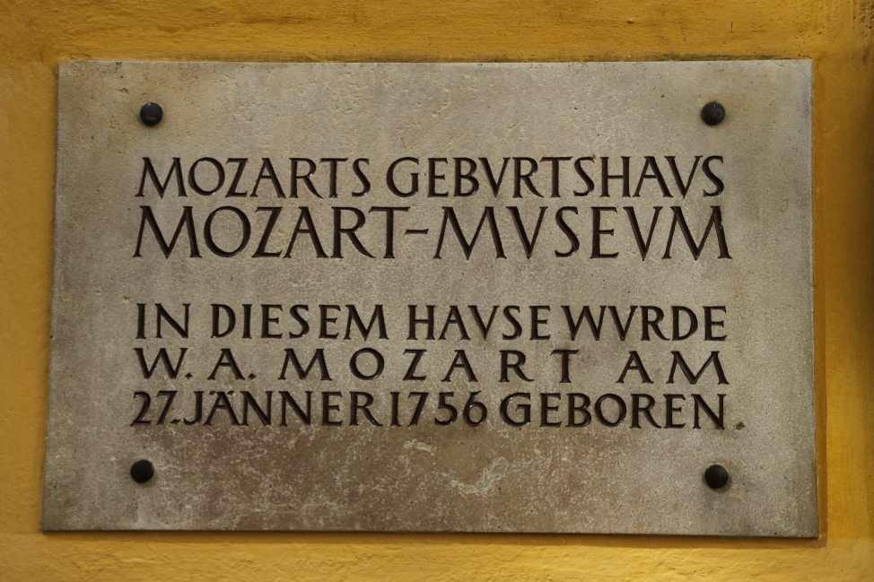 0091_21 Aug 2010_Salzburg_Getreidegasse_Mozart Geburtshaus