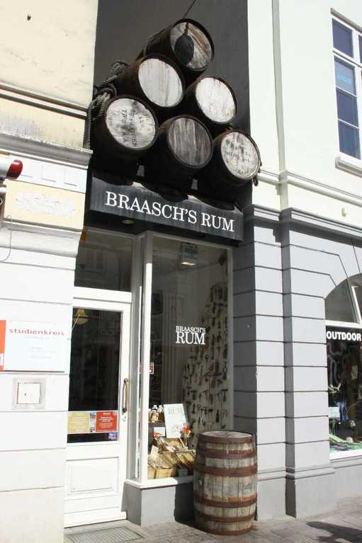 0275_30 Juli 2011_Flensburg_Große Strasse_Braasch's Rum