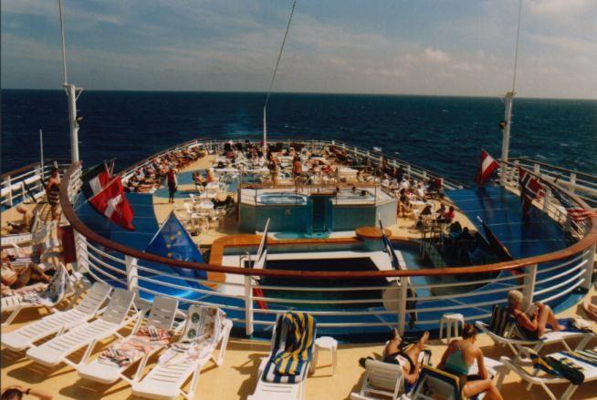 Sonnendeck auf der Ocean Monarch