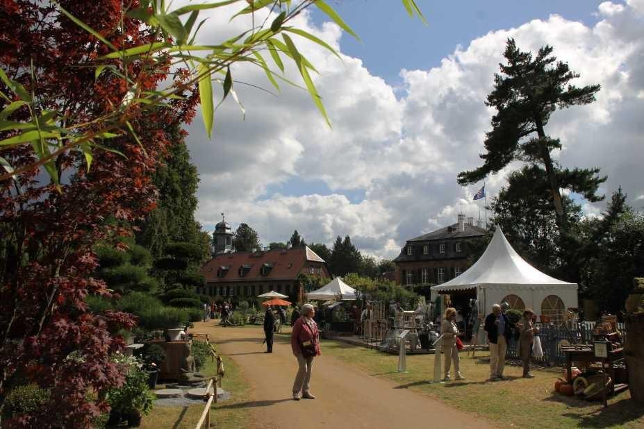 084_0239_17 Sept 2010_Gartenfest_Schloss Wolfsgarten_Aussteller