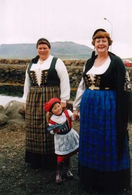 Begrüßung in Nationaltracht Grundarfjördur / Island