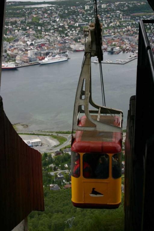 Bild 2324 - Norwegen, Tromsö, Fjellheisen, MS Delphin