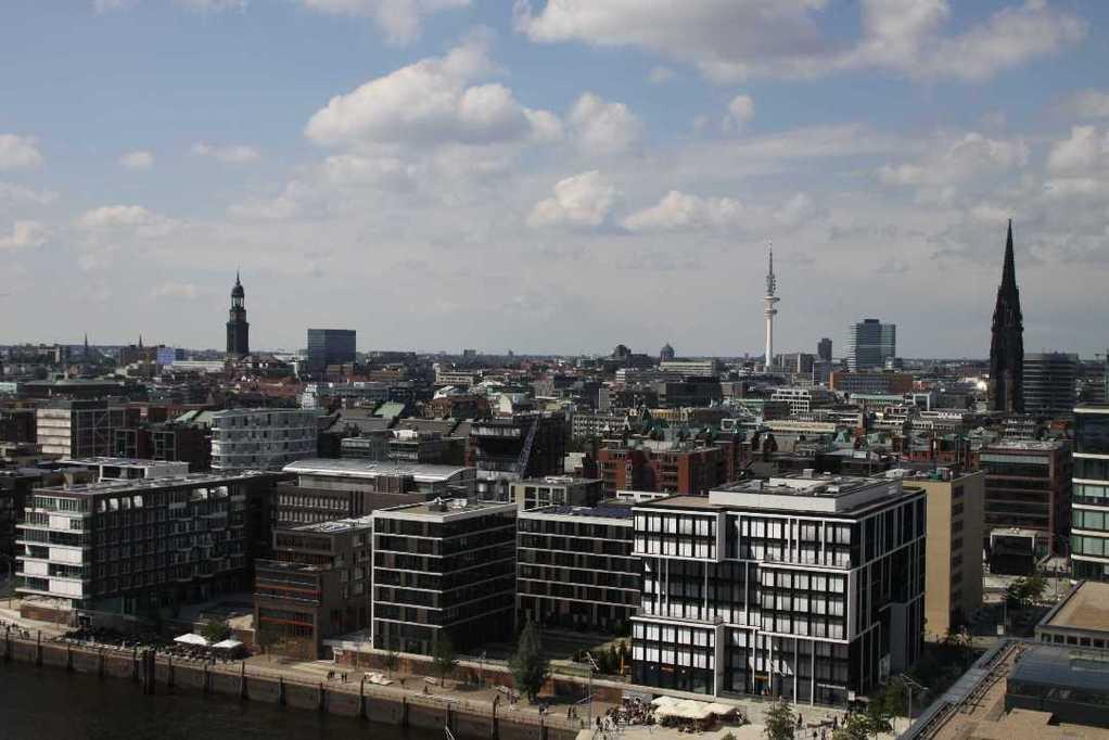 0387_11 Juni 2011_Hamburg_Hafen-City_Steiger_Riesenrad_Aussicht
