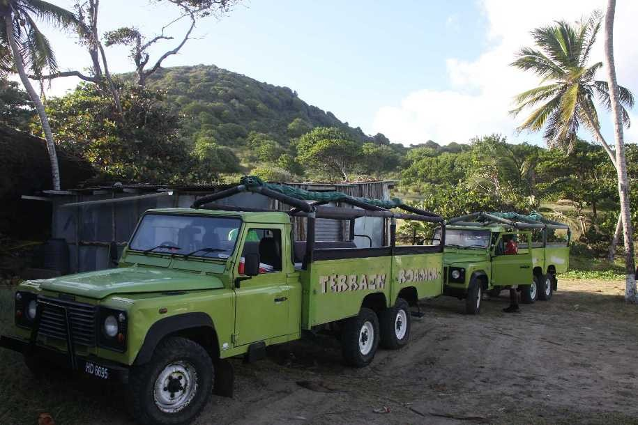 0664_24 NOV 2013_St-Lucia_Rugged Beach Jeep-Safari