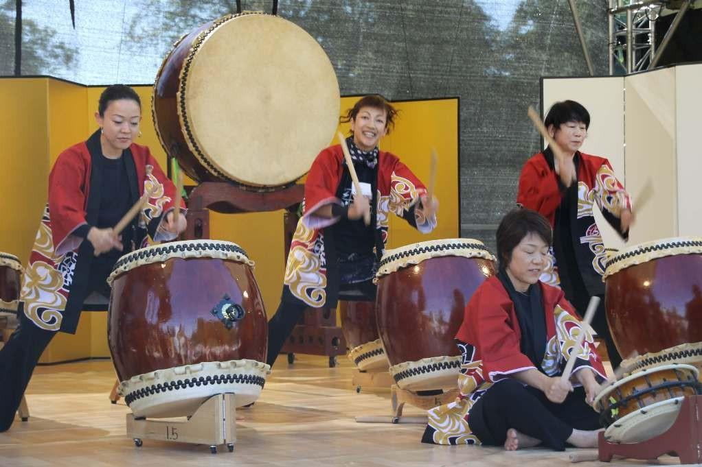 162_0145_16 Sept 2011_Gartenfest_Japan_Taiko_Große Japanische Trommel