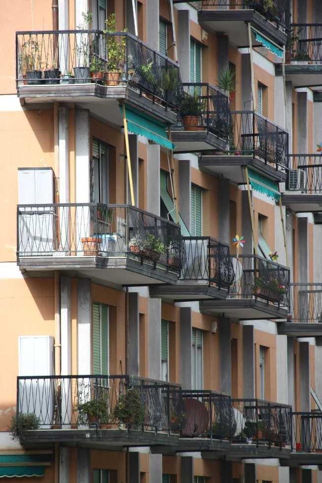 0023_06 Okt 2013_Genua_Fassaden_Balkone