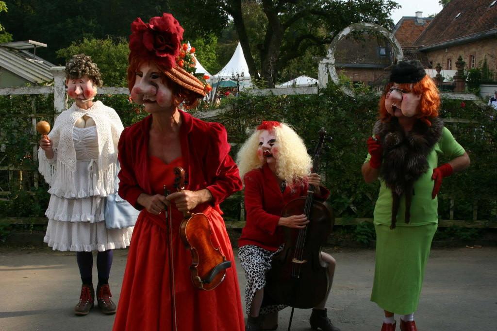 044_0394_20 Sept 2009_Gartenfest_Die Tollen Tanten