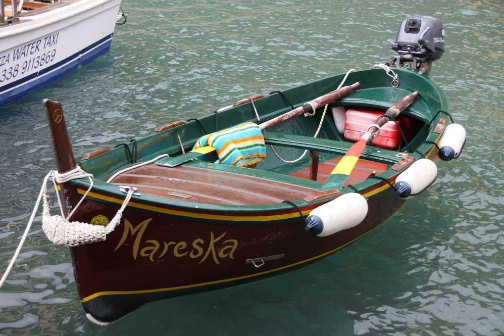0207_07 Okt 2013_Cinque-Terre_Vernazza_Hafen_Boot