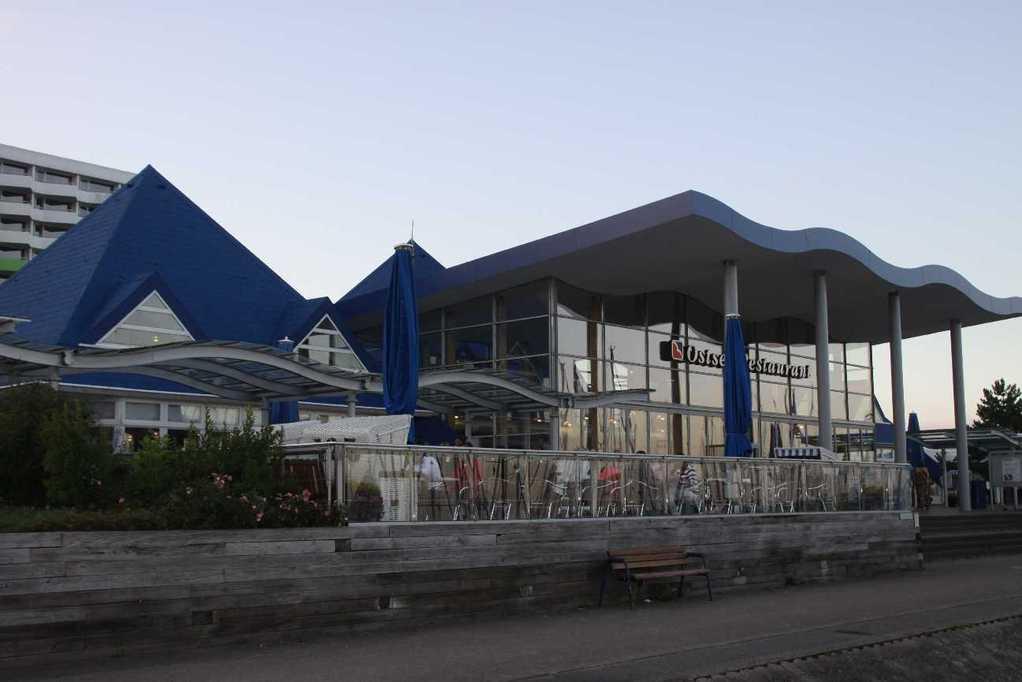 0161_05 Aug 2011_Damp_Hafen_Promenade