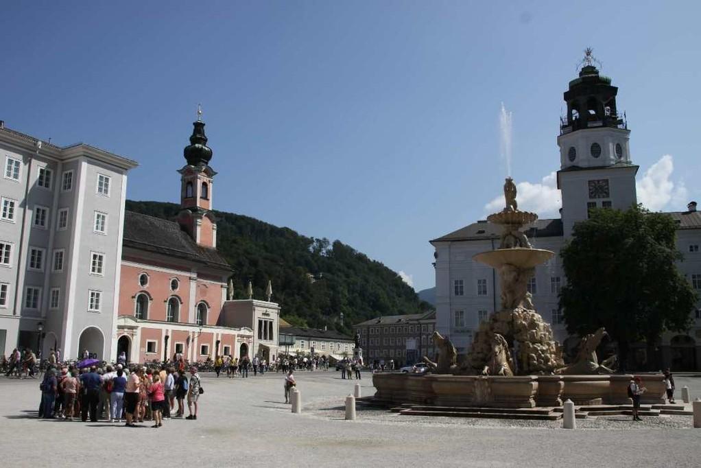0133_21 Aug 2010_Salzburg_Residenzbrunnen_Glockenspiel