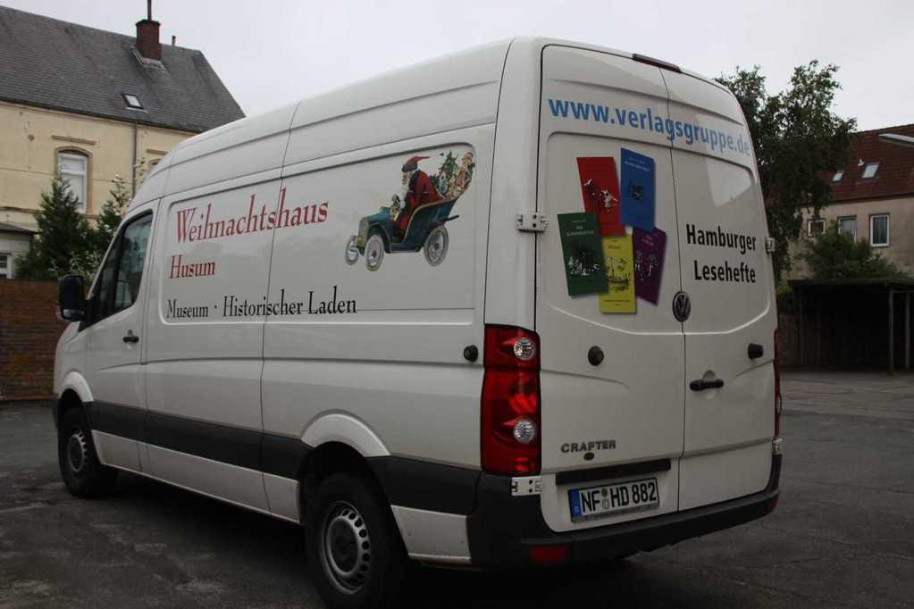0133_31 Juli 2011_Husum_Weihnachtshaus_Autobus