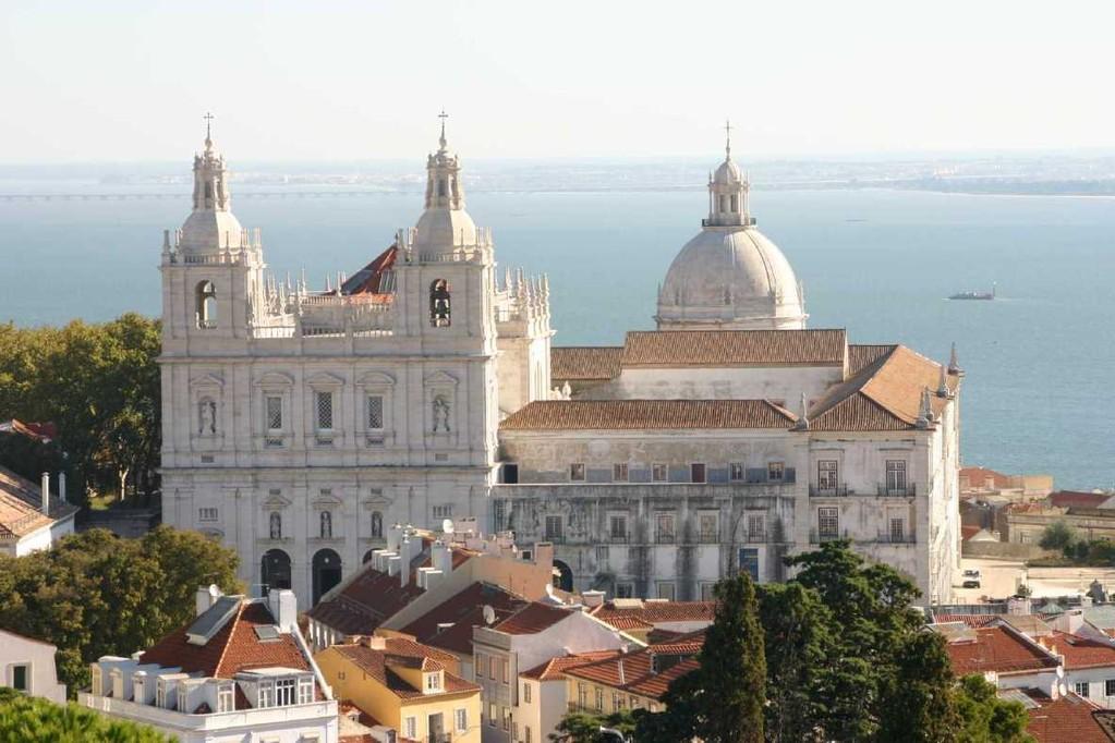 0476_01 Nov 07_Lissabon_Castelo de Sao Jorge_de Fora & Santa Engracia