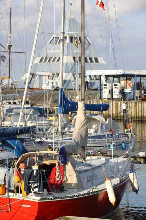 0116_05 Aug 2011_Damp_Hafen