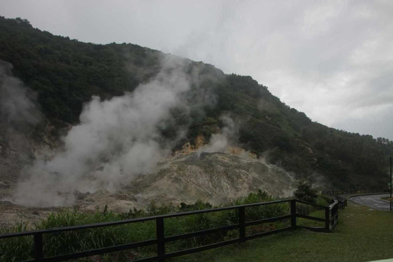 4383_06 DEZ 2013_St-Lucia_Soufriere_Drive-In-Vulkan
