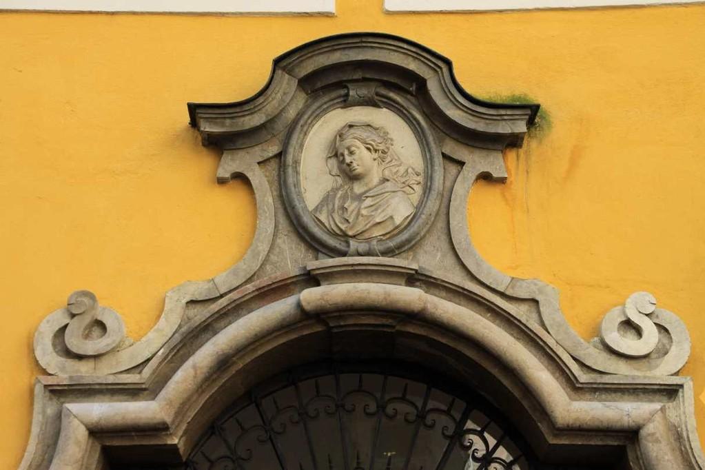 0106_21 Aug 2010_Salzburg_Getreidegasse_Mozart Geburtshaus