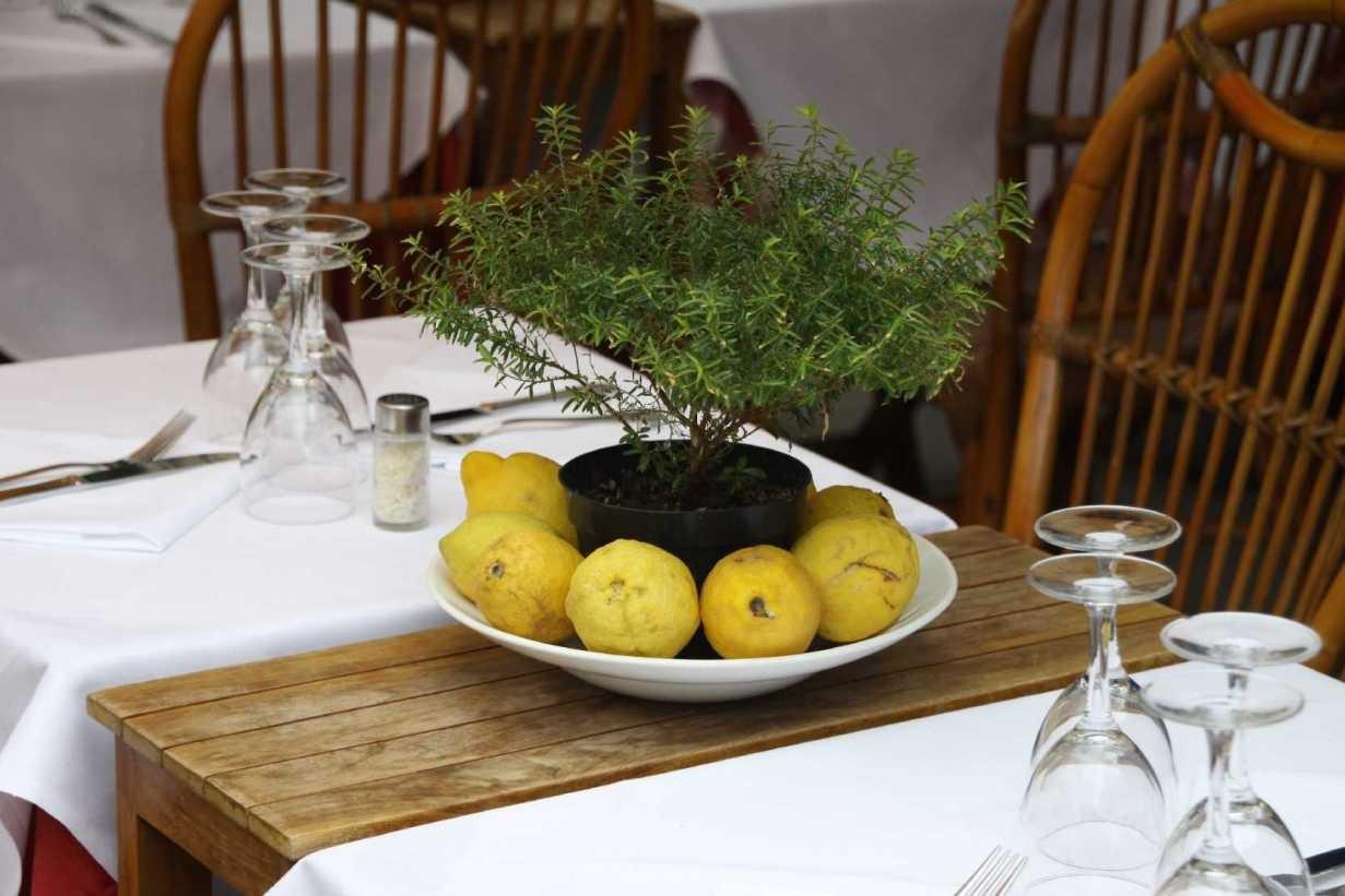 0211_07 Okt 2013_Cinque-Terre_Vernazza_Restaurant_Deko