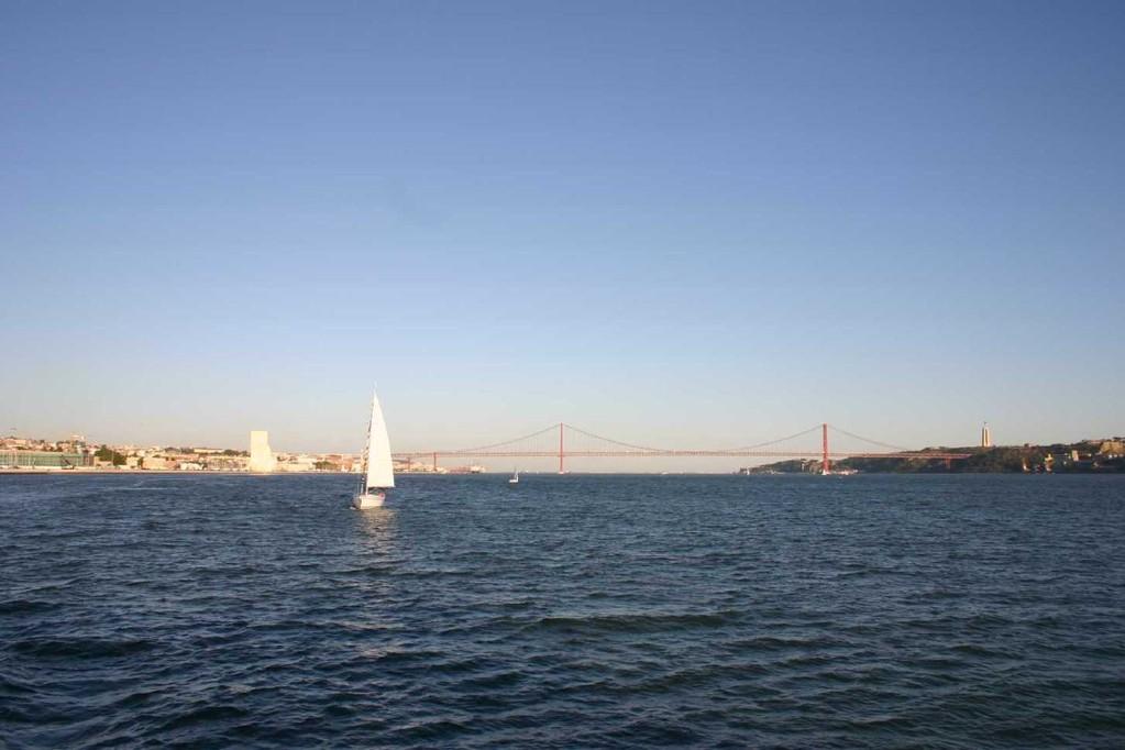 0364_31 Okt 07_Lissabon_Boots-Tour_Ponte 25 de Abril
