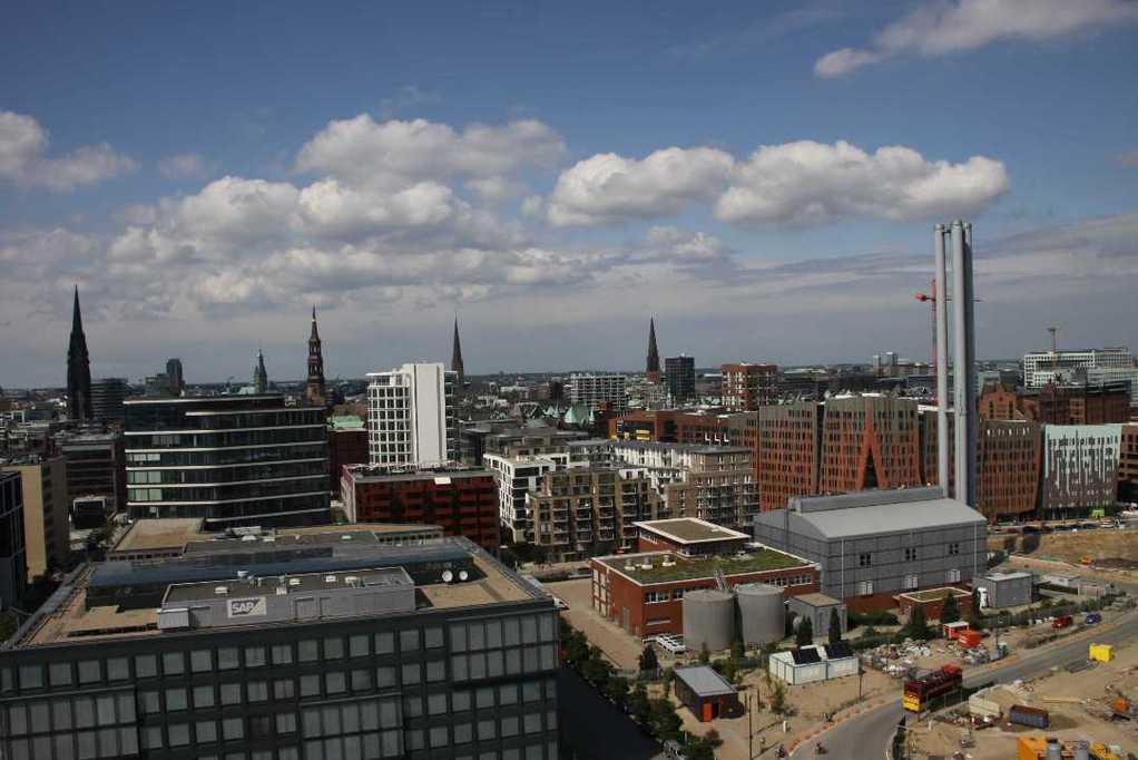 0388_11 Juni 2011_Hamburg_Hafen-City_Steiger_Riesenrad_Aussicht
