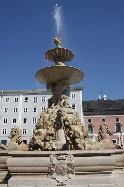 0146_21 Aug 2010_Salzburg_Residenzbrunnen