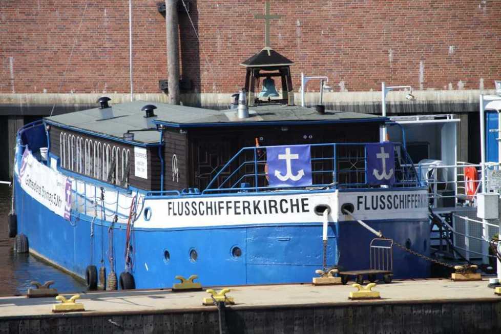 0477_11 Juni 2011_Hamburg_Hafen_Flusschifferkirche