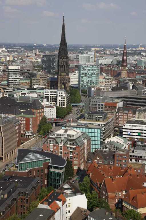 0133_10 Juni 2011_Hamburg_Michel_Aussicht