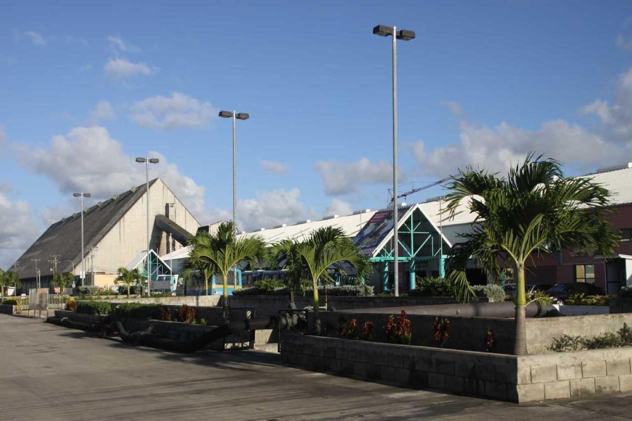2701_30 NOV 2013_Barbados_Kreuzfahrt-Terminal