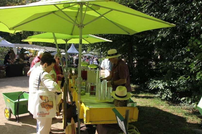 077_0245_16 Sept 2011_Gartenfest_Aussteller