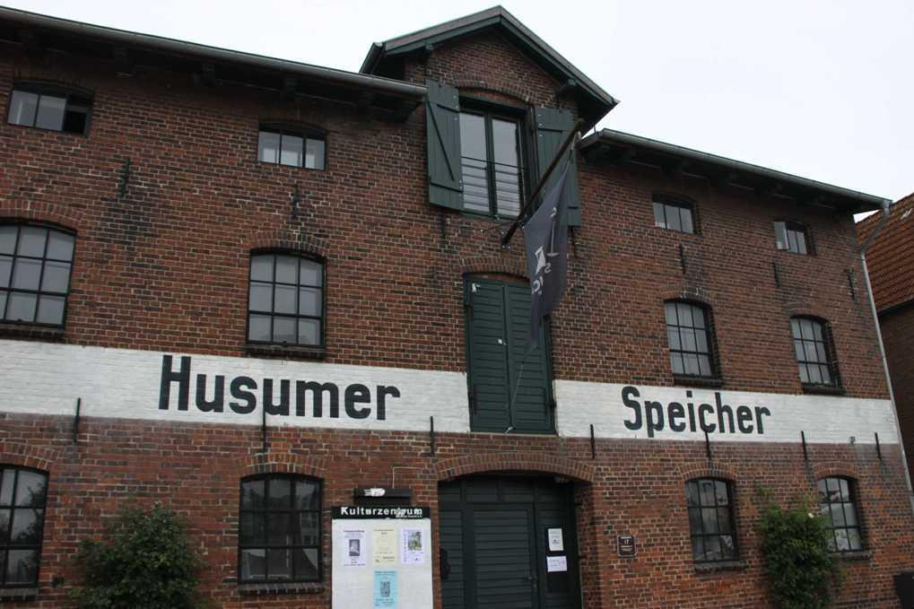 0143_31 Juli 2011_Husum_Hafen_Speicher