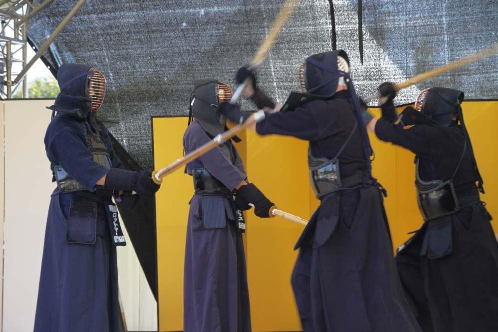 193_0430_16 Sept 2011_Gartenfest_Japan_KENDO_Weg des Schwertes