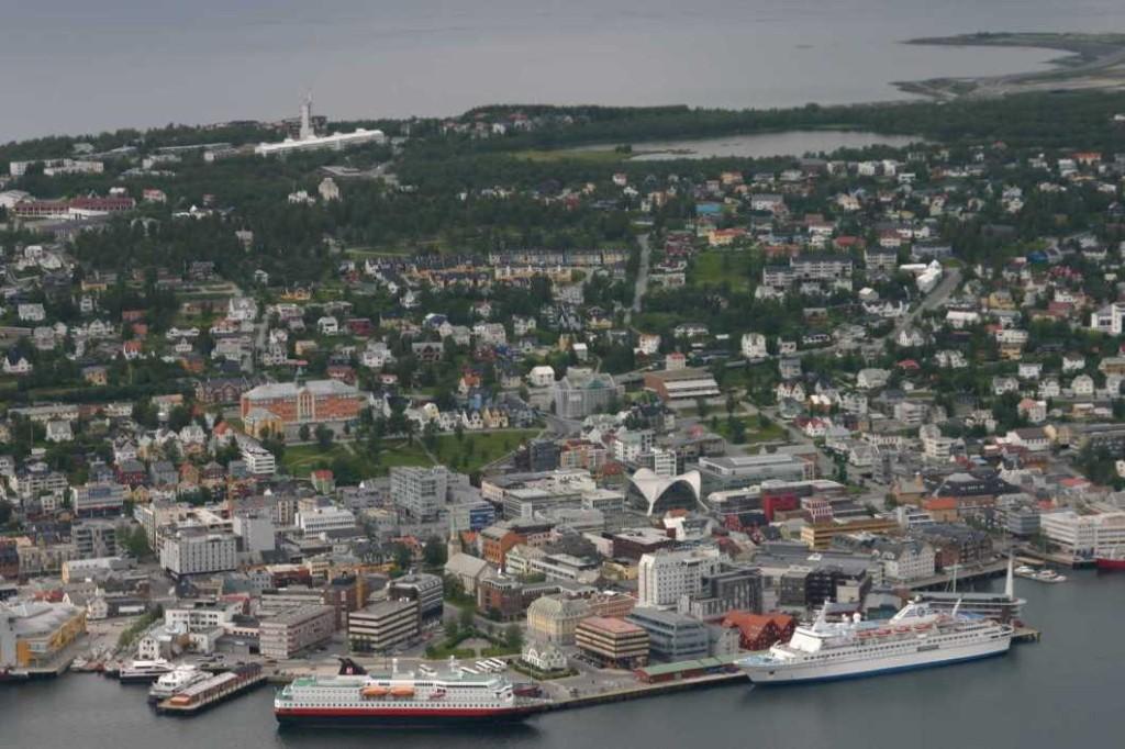 Bild 2287 - Norwegen, Tromsö, Fjellheisen, Nordlys & MS Delphin
