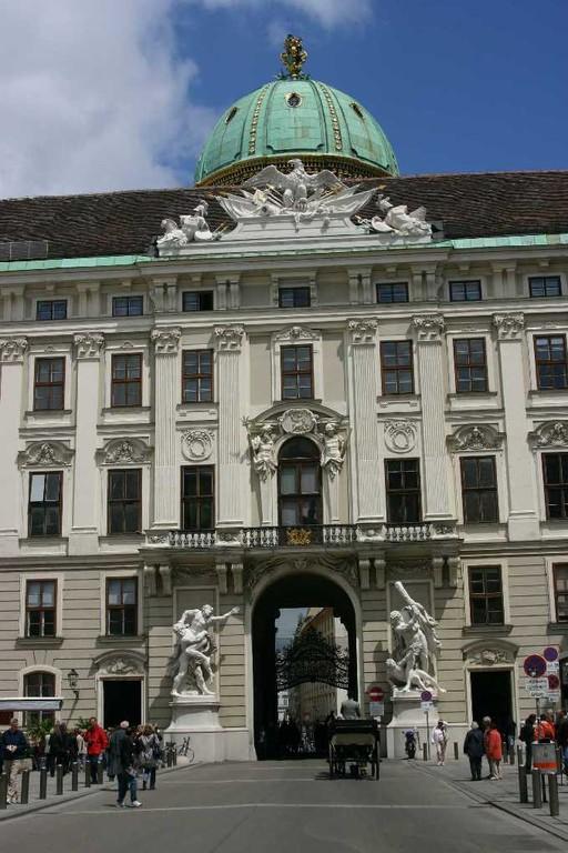 0437_22 Mai 08_Wien_Alte Hofburg_Michaelertrakt