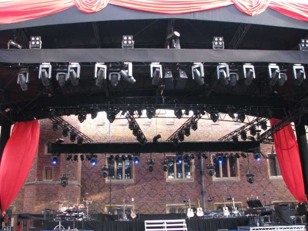 0037_23 Juni 2013_Hampton Court Palace_Stage