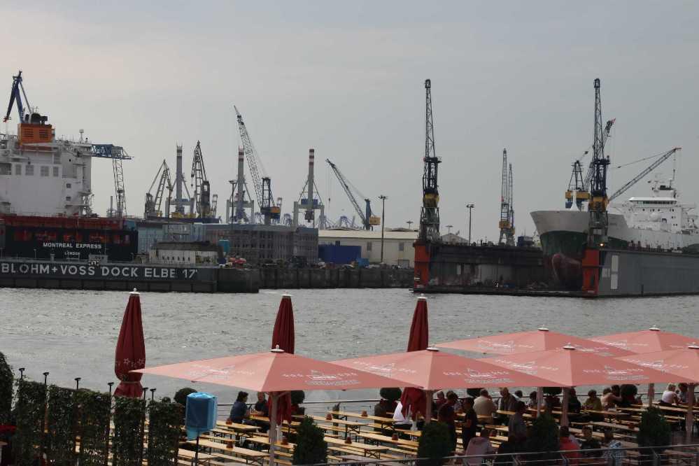 0062_10 Juni 2011_Hamburg_Restaurant_Blohm & Voss Dock Elbe 17