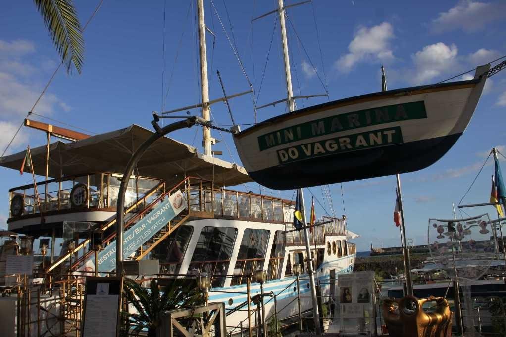 1353_14 Okt 2010_Madeira_Funchal_Hafen_Beatles-Restaurant Vagrant