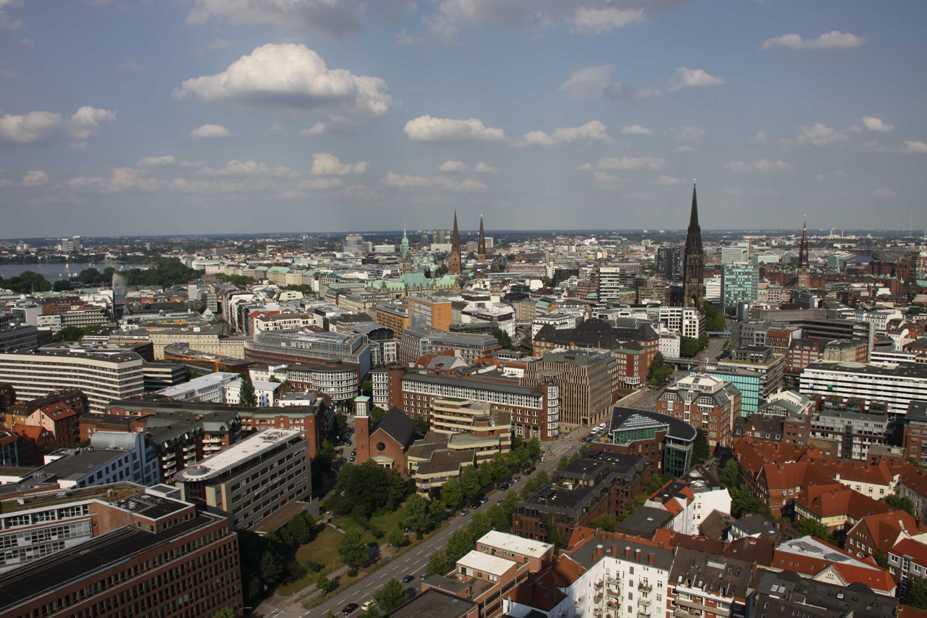0132_10 Juni 2011_Hamburg_Michel_Aussicht