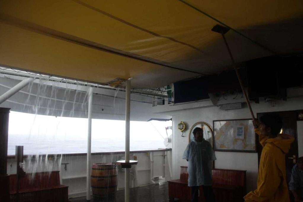2343_24 Okt 2010_Star Flyer_Rainy Day@Sea