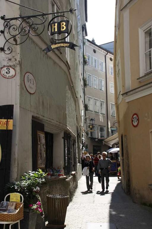 0120_21 Aug 2010_Salzburg_Goldgasse
