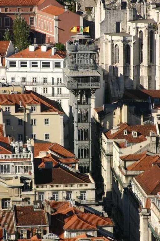 0445_01 Nov 07_Lissabon_Castelo de Sao Jorge_Elevador de Santa Justa