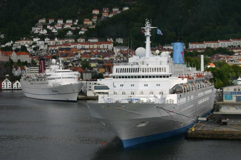 Bild 3252 - Norwegen, Bergen, Mona Lisa & Thomson Spirit
