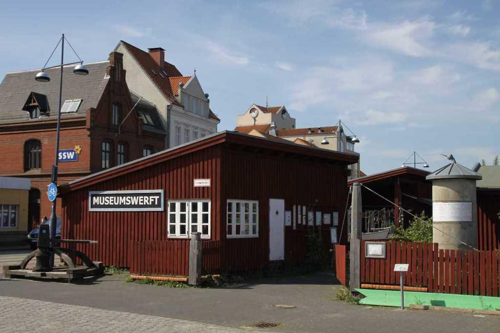 0225_30 Juli 2011_Flensburg_Museumshafen_Werft