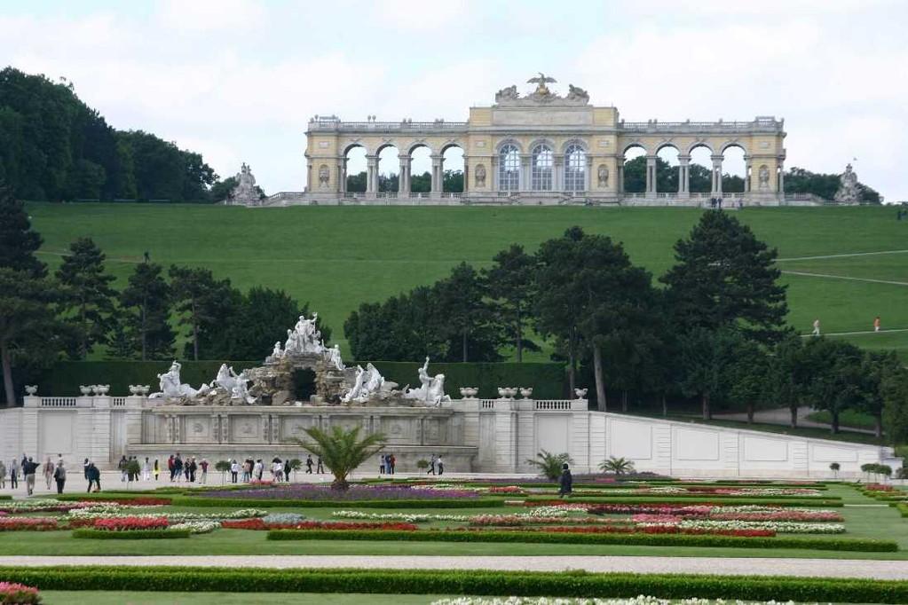 0298_22 Mai 08_Wien_Schloss Schönbrunn_Neptunbrunnen_Gloriette