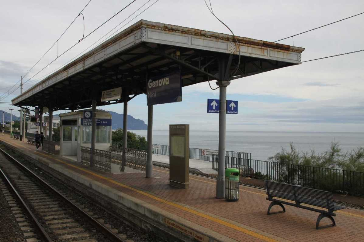 0025_06 Okt 2013_Genua_Nervi_Bahnhof