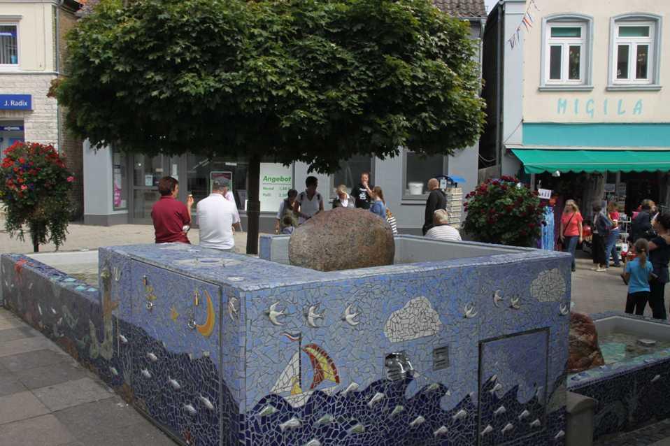 0170_06 Aug 2011_Kappeln_Deekelsenplatz_Stadtbrunnen